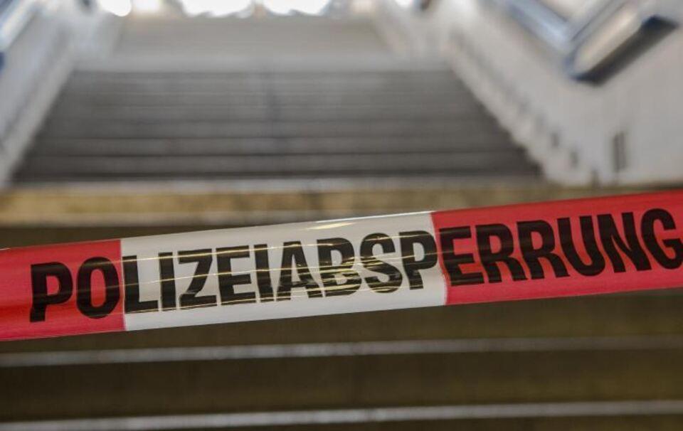 Drei Tote mit Schussverletzungen in Haus in Altfraunhofen gefunden