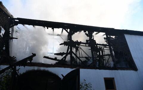 Chieming - Feuerwehr immer noch im Einsatz nach Brand