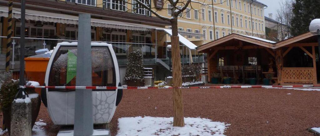 neuer baum beim gasthaus neuhaus in berchtesgaden hing 39 schaut b umchen wechsel dich. Black Bedroom Furniture Sets. Home Design Ideas