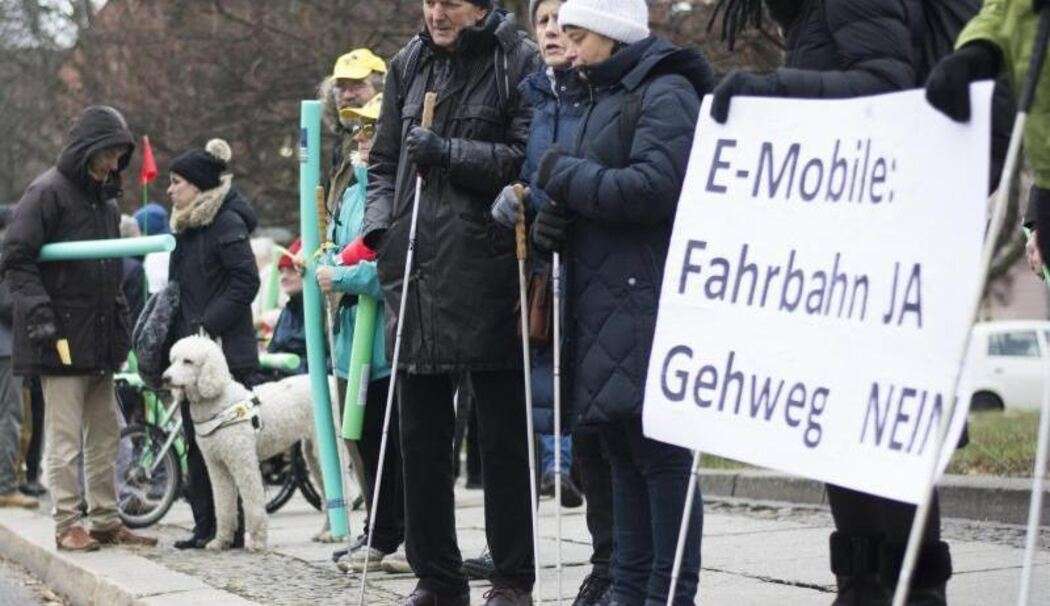 Demonstration gegen E-Tretroller