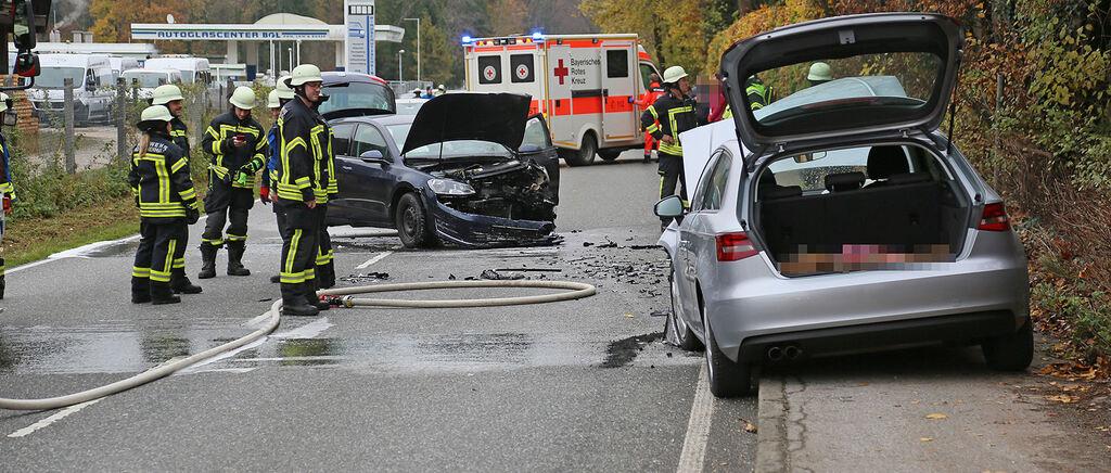 Bad Reichenhall: Autos stehen nach Frontal-Unfall auf B20/B21 in Brand – Zwei Verletzte - Berchtesgadener Anzeiger