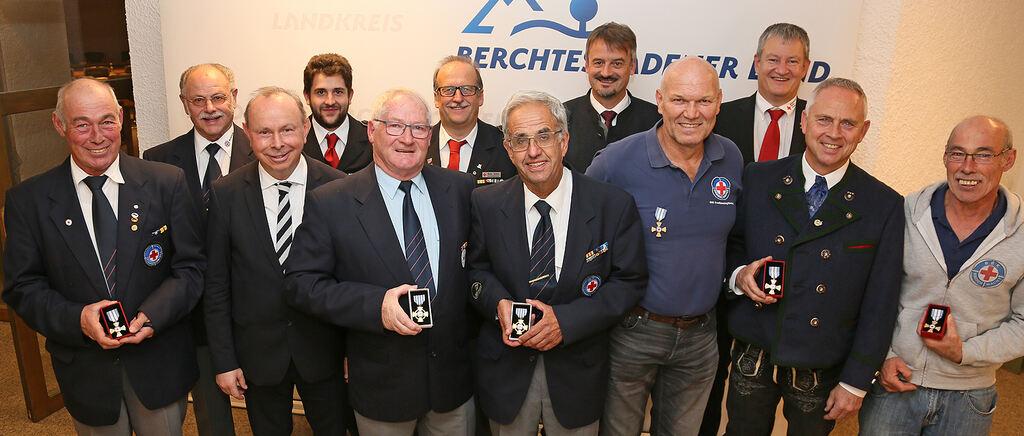 Sechs Rotkreuzler für jahrzehntelanges Ehrenamt ausgezeichnet - Berchtesgadener Anzeiger