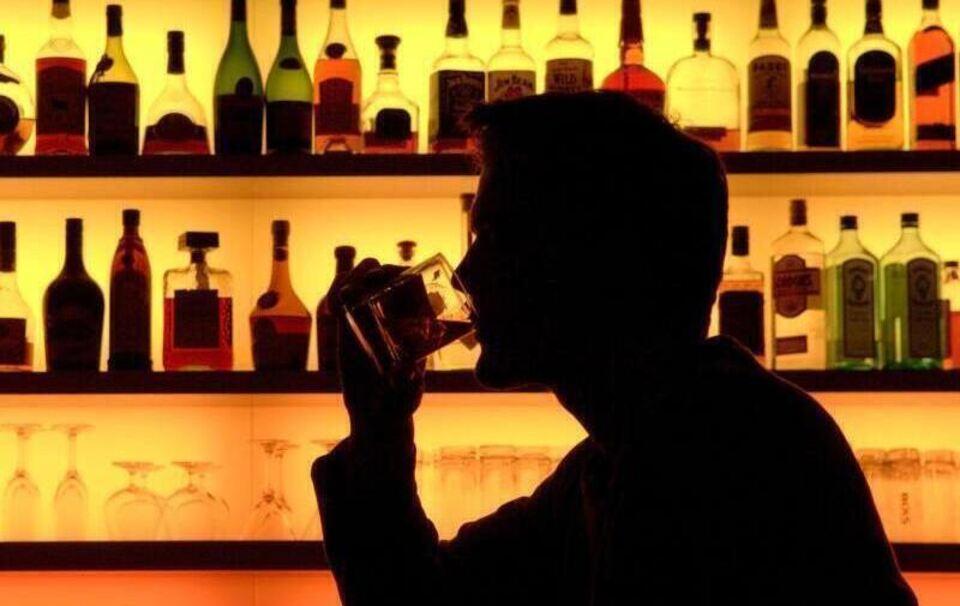 Kriminalität in Miesbach: 22-Jährige in Bar vergewaltigt: Mutmaßlicher Täter in Haft